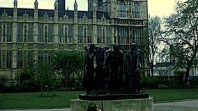 Victoria Tower e giardino a Londra video d archivio