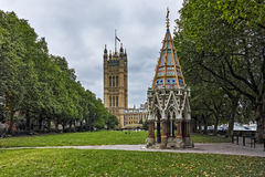 Victoria Tower Gardens and Houses of Parliament, London, England Stock Photography