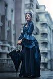 Victoriaanse dame in blauw Royalty-vrije Stock Afbeeldingen