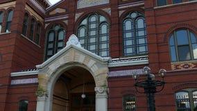 Victoriaanse voorgevel van het Smithsonian Kasteel, Washington DC, de V.S. stock videobeelden