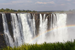 Victoriaet Falls med mist från vatten Arkivbild