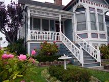 Free Victorian House Entrance And Garden Royalty Free Stock Photos - 21662768