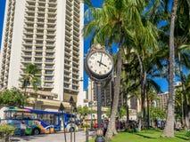 Victorianärauhr an Waikiki-Strand Stockbilder