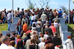Victory Day - mensen in Overwinningspark royalty-vrije stock afbeeldingen