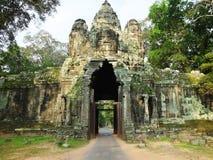Victory Gate Angkor område, Siem Reap, Cambodja Royaltyfri Fotografi