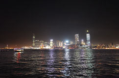 Victory Harbour com vista a Kowloon na noite, Hong Kong Fotos de Stock