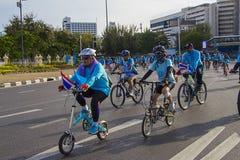 """Victory Monument Bangkok, Thailand, AUGUSTI 16-2015: """"Bike för Mom† Fotografering för Bildbyråer"""