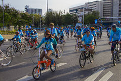 """Victory Monument Bangkok, Thailand, AUGUSTI 16-2015: """"Bike för Mom† Arkivbild"""