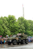 Victory Parade i Donetsk Militären ståtar hängivet till 70th Royaltyfria Foton