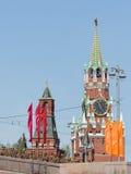 Victory Parade-Wiederholung und Spasskaya-Turm stockbilder