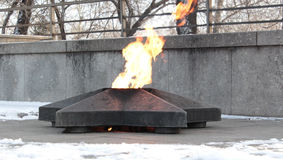 Victory Square en Krasnoyarsk Quema de una llama eterna Imagen de archivo