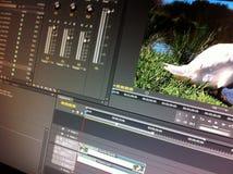 Vidéo éditant le logiciel Photo libre de droits