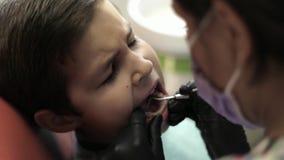 Vidéo de dentiste dedans Plan rapproché clips vidéos