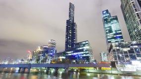 Vidéo de Hyperlapse des gratte-ciel en enceinte de Southbank de Melbourne clips vidéos