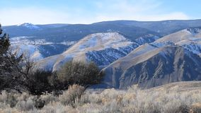 Vidéo de vue de balayage de région sauvage de l'Idaho banque de vidéos