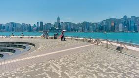 vidéo du hyperlapse 4k de Tsim Sha Tsui Promenade en Hong Kong banque de vidéos