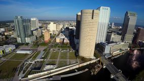 Vidéo 4k aérienne du centre de Tampa la Floride clips vidéos