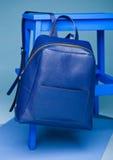 A vida azul do estilo da forma da cor ainda setup no azul Fotos de Stock Royalty Free