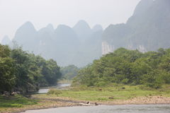 Vida bucólica a lo largo del río de Li Fotografía de archivo