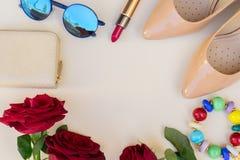 Vida coloreada desnudo de los tacones altos aún Imagen de archivo libre de regalías