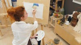 Vida concentrada de la calabaza de la pintura del artista de la mujer aún con las acuarelas Imágenes de archivo libres de regalías