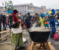 Vida cotidiana en el Maidan en Kiev Imagen de archivo