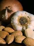 Vida da cebola e do alho ainda Foto de Stock