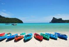 Vida da praia - canoa, mar Imagem de Stock Royalty Free