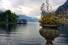 Vida de la calma del otoño en el lago Garda fotografía de archivo libre de regalías