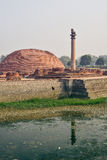 Vida de la India: Pilares de Ashoka en Vaishali Foto de archivo