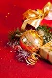 Vida de los regalos y todavía del ornamento de la Navidad Imagen de archivo libre de regalías