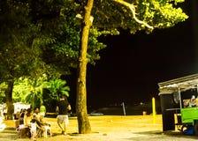 Vida de noche en la playa de la costa de DA del Praia, Vila Velha, EspÃrito Santo State, el Brasil Foto de archivo libre de regalías