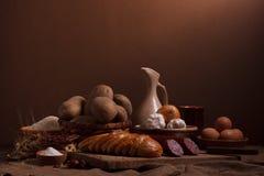 Vida do camponês com alimento Imagens de Stock Royalty Free