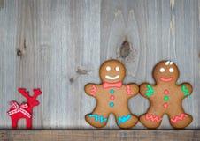A vida do Natal ainda com as cookies tradicionais do pão-de-espécie corteja sobre Foto de Stock Royalty Free