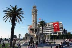 A vida dos dias no quadrado central de Konak em Izmir com Fotografia de Stock