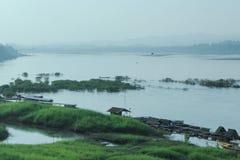 Vida dos povos ao lado de Mekong River Foto de Stock Royalty Free