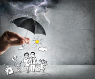 Vida e seguro da família - conceito da segurança