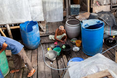 Vida en el agua en Sunda Kelapa Puerto-Jakarta Fotografía de archivo