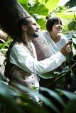 Hombre y muchacha en salvaje Fotografía de archivo libre de regalías