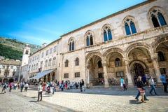 Vida en las calles de Dubrovnik, Croacia Imagen de archivo libre de regalías