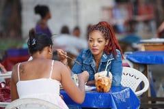 Vida en las calles en la ciudad de Toamasina, Madagascar Fotos de archivo
