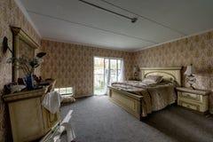 Vida extravagante - hotel abandonado do ` s de Brown - montanhas de Catskill, New York fotografia de stock royalty free