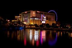 Vida nocturna de Las Vegas a lo largo de la tira famosa Foto de archivo