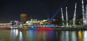 Vida nocturna en Clarke Quay Singapore Imagen de archivo