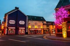 Vida nocturna en Ennis, Irlanda Foto de archivo libre de regalías