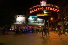 Vida nocturna en Pattaya, Tailandia. Fotografía de archivo