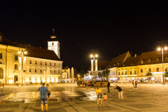 Vida noturna no centro histórico de Sibiu Foto de Stock