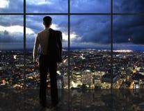 Vida noturno do homem e da cidade Imagem de Stock Royalty Free