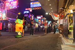 Vida noturno na rua de passeio Pattaya Tailândia Imagens de Stock Royalty Free