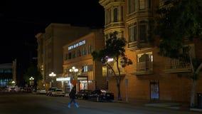 Vida noturno no quarto histórico San Diego - CALIFÓRNIA de Gaslamp, EUA - 18 DE MARÇO DE 2019 video estoque